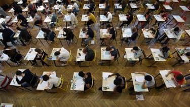 """En France, """"l'influence du milieu social sur les performances scolaires est parmi les pays élevés des pays de l'OCDE""""."""