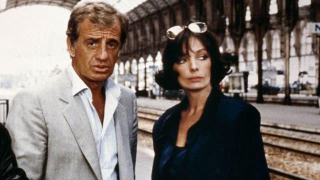 Jean-Paul Belmondo et Marie Laforêt dans Joyeuses Pâques