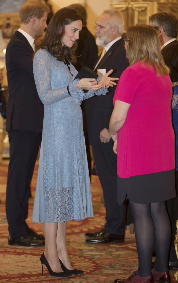 Kate Middleton au palais de Buckingham, le 10 octobre 2017