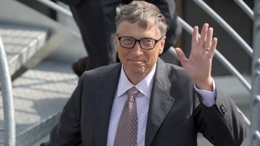 Bill Gates poursuit son retrait de Microsoft.