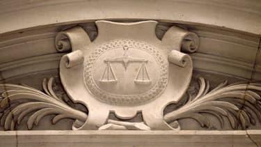 Le tribunal de commerce de Nanterre a condamné l'assureur Albingia à verser 450.000 euros de provisions à 5 hôtels pour couvrir deux mois de pertes d'exploitation liées à l'épidémie de Covid-19, en l'attente d'une expertise détaillée