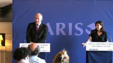 Thierry Bolloré, du groupe Renault a présenté son offre aux côtés d'Anne Hidalgo.