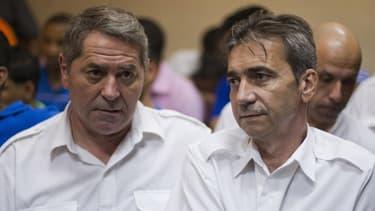Pascal Fauret (gauche) et Bruno Odos (droite) sont les pilotes du jet qui transportait 25 valises de cocaïne