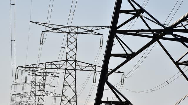 La filiale de RTE, Arteria, et FPS Towers s'allient pour développer l'installation d'antennes-relais sur les pylônes des lignes à haute tension.