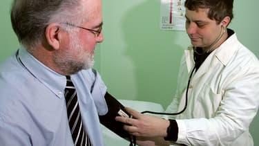 Un Français sur six bénéficie du dispositif ALD qui consiste à prendre en charge à 100% les soins liés à leur maladie (cancer, diabète, insuffisance rénale chronique, infection au VIH...)