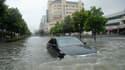 Inondations dans les rues de Yingtan, dans la province du Jiangxi. Des inondations et des glissements de terrain ont tué au moins 69 personnes et fait 44 disparus dans le sud de la Chine, selon l'agence de presse officielle Chine nouvelle. /Photo prise le