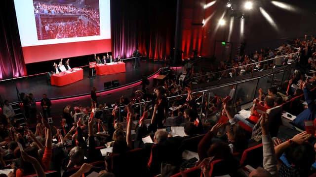 PCF: la Conférence nationale refuse le ralliement à Mélenchon pour 2017