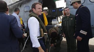 Emmanuel Macron avant son départ de Guadeloupe pour Saint-Martin, en hélicoptère