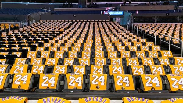 Le maillot n°24 des Los Angeles Lakers au Staples Center, le 31 janvier 2020