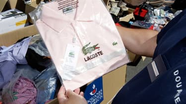 Les vêtements, chaussures et accessoires représentent les plus gros volumes de contrefaçons.