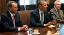 Au terme d'une cinquième séance de négociations aussi infructueuse que les précédentes à la Maison blanche, Barack Obama a envoyé jeudi les responsables parlementaires consulter leur camp jusqu'au week-end pour sortir de l'impasse sur le relèvement du pla