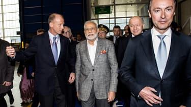 Thomas Enders, patron d'Airbus et Narendra Modi, premier ministre indien, lors d'une visite à Blagnac en avril 2015.
