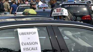 Le secrétaire d'Etat aux Transports a rappelé que les conducteurs UberPop encourent 1.500 euros d'amende et que les passagers ne sont pas assurés