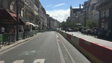 La maire de Paris souhaite l'installation de caméras de vidéo-verbalisation rue de Rivoli.