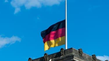 Le drapeau allemand sur le toit du Reichstag à Belin le 16 juin 2017.