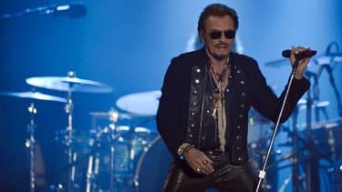 """Johnny Hallyday, en concert à Lille vendredi soir, a annoncé la sortie très prochaine de son 50e album, intitulé """"De L'Amour""""."""