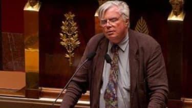 Le député, rapporteur des crédits pour la presse, préconise un recentrage