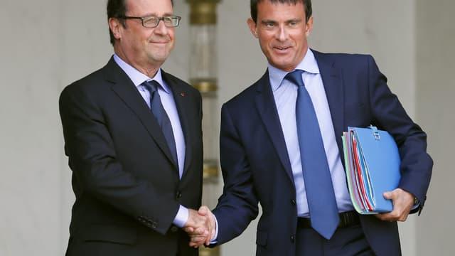L'été de Manuel Valls semble avoir été plus ensoleillé que celui de François Hollande