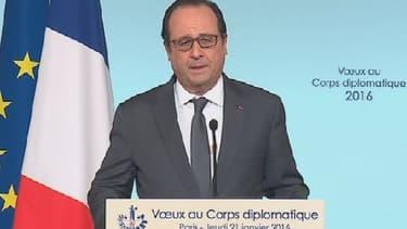 """François Hollande a annoncé jeudi que le rythme des frappes alliées contre l'organisation Etat islamique en Irak et en Syrie serait """"accéléré"""", lors de ses voeux au corps diplomatique - Jeudi 21 janvier 2016"""