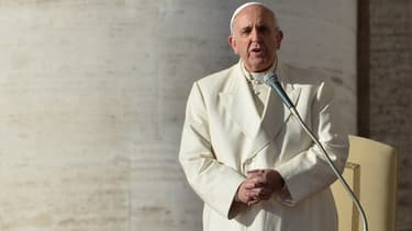 Le pape François sur la place Saint-Pierre de Rome, le 17 décembre 2014.