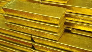 Trois malfaiteurs armés ont obligé un fourgon blindé à s'arrêter sur une autoroute de Caroline du Nord, au sud-est des Etats-Unis. Leur larcin, composé de plusieurs lingots d'or, est estimé à 3,6 millions d'euros.