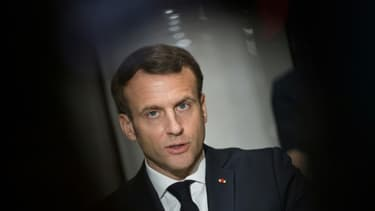 Emmanuel Macron le 31 mars 2020 dans une usine près d'Angers