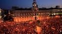 Des milliers de manifestants ont défilé mercredi dans les rues de Madrid (comme ici, à la Puerta del Sol) pour protester contre le coût de la visite du pape Benoît XVI qui survient dans un climat d'austérité budgétaire et de grogne sociale en Espagne. /Ph
