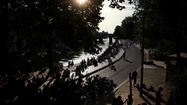 Le déconfinement à Paris, sur les quais, le 21 mai 2020.