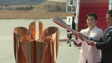La flamme olympique de Tokyo 2020 est arrivée au Japon