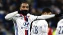 Alexandre Lacazette est courtisé par l'Atlético de Madrid mais son agent dément avoir visité les infrastructures du club espagnol.