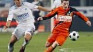 Courtisé par Saint-Etienne pour remplacer Gomis parti à Lyon, le buteur lorientais Kevin Gameiro ne devrait pourtant pas quitter les Merlus cette saison, et ce malgré les échanges récents entre les présidents Caïazzo et Le Roch.