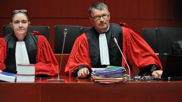 Le président de la cour d'assises, Dominique Pannetier, a suspendu l'audience en milieu de matinée à la suite d'une bataille de procédure.