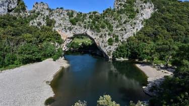 Le pont d'Arc dans le département de l'Ardèche