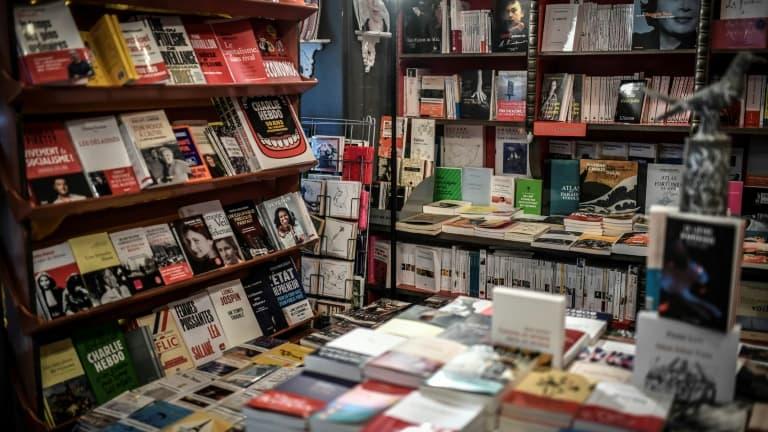 Les librairies classées commerces essentiels - BFMTV