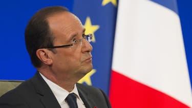 Fort d'une majorité absolue à l'Assemblée, François Hollande affronte une rafale de rendez-vous internationaux - au G20 puis en Europe - pour tenter d'enrayer la crise de la zone euro, avant de se pencher sur une situation économique tendue. /Photo prise