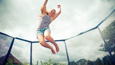 Sautez le pas en trampoline
