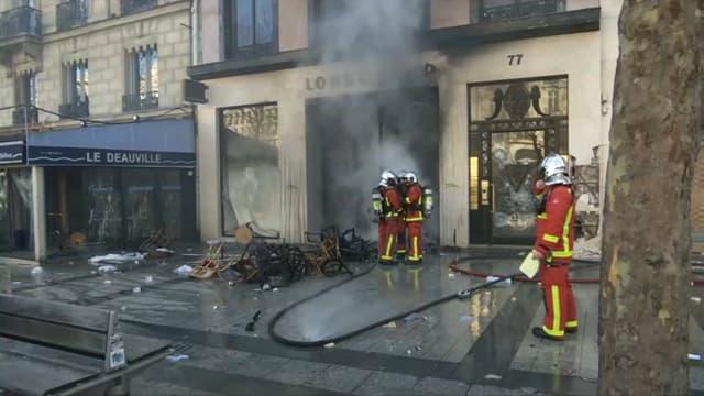 Le magasin Longchamp incendié