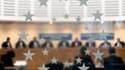 Dans un arrêt très attendu par les milieux politiques et judiciaires, la Cour européenne des droits de l'homme a estimé lundi que le procureur de la République n'était pas une autorité judiciaire en France puisqu'il n'est pas indépendant du pouvoir exécut