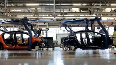 Quatre syndicats de PSA sont favorables à l'accord portant sur les mesures d'accompagnement des salariés touchés par la restructuration.