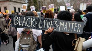 Une manifestation le 14 avril 2015 à New York après la mort de Walter Scott, abattu par un policier en Caroline du Sud