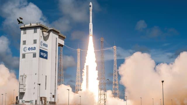 Le tir de la fusée Vega, prévu le 1er septembre avait été à cause de problèmes météorogiques