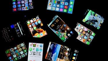 """Un smartphone, ou """"mobile multifonction"""""""