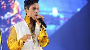 Prince sur scène en 2011 à Paris