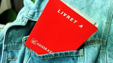 Alors que le Livret A est plus que jamais boudé des épargnants, l'assurance-vie confirme sa bonne tenue.