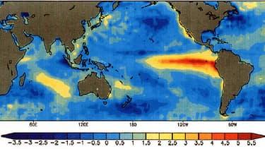 La trace du phénomène  El Niño, bien visible en rouge, dans le Pacifique équatorial.