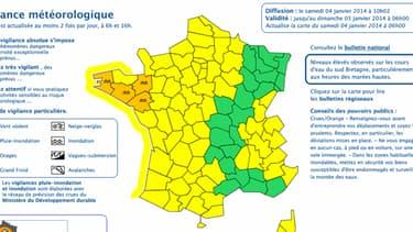 """Si l'alerte vagues-submersion a été levée, quatre départements bretons restent placés en vigilance """"crues""""."""
