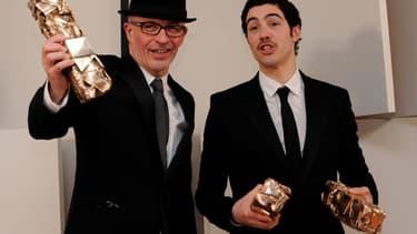 """Jacques Audiard et Tahar Rahim, récompensés pour """"Un Prophète"""" lors de la cérémonie des Césars en 2010"""