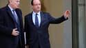 La cote de popularité de François Hollande comme de son Premier ministre Jean-Marc Ayrault est tombée à 31%, selon le baromètre mensuel Clai-Metro-LCI réalisé par OpinionWay publié dimanche qui confirme la chute de la confiance des Français dans le couple