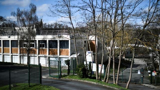 L'entrée du collège le 23 février 2021 de Pont de Bois, à Saint-Chéron, près de l'endroit où une adolescente a été poignardée lors d'une rixe entre jeunes