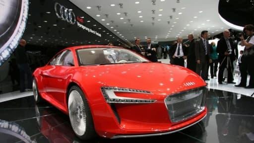 Audi commercialisera dans quelques mois la R8 e-Tron, une hybride rechargeable sportive.